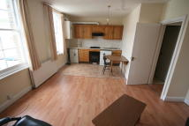 Apartment to rent in Caledonian Road, London...
