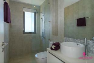 Show Unit Bathroom