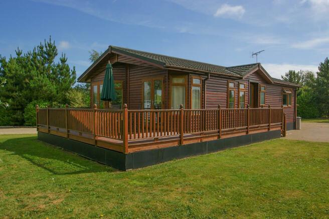 2 Bedroom Mobile Home For Sale In Aldeburgh Suffolk Ip15