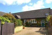 3 bedroom Semi-Detached Bungalow for sale in Manor Court, Chadlington...