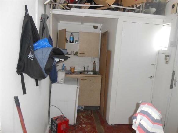 24 V Kitchen.jpg