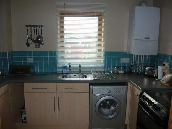 Raedwald Court.14 - kitchen.jpg
