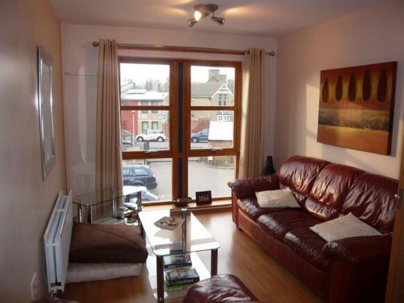 Raedwald Court.14 - lounge.jpg