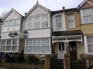 1 bedroom Terraced home in Rosslyn Crescent, Harrow...