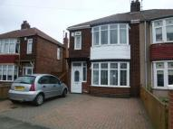 3 bedroom semi detached property to rent in Fernwood Avenue...