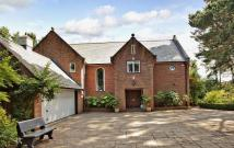 5 bedroom Detached property for sale in Golf Links Road...