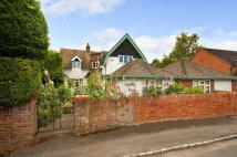 4 bedroom Detached house in Hedsor Road, BOURNE END...