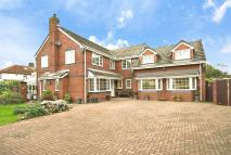 4 bed Detached house in Charlwood Avenue...