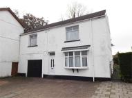 4 bed semi detached house for sale in Commercial Street...