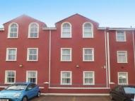 2 bed Flat in Hampton Court...