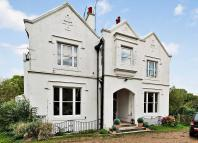 Flat for sale in The Mount, Ifield...