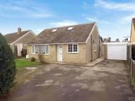 4 bed Detached Bungalow for sale in Alvescot Road, CARTERTON...
