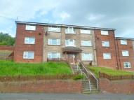 2 bed Flat in Chinewood Avenue, BATLEY...