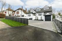 5 bed Detached property in Burgh Wood, Banstead...