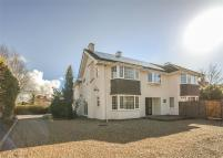 Detached property in Rectory Road...