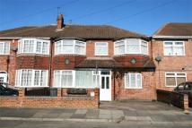 5 bedroom semi detached house in Asquith Boulevard...