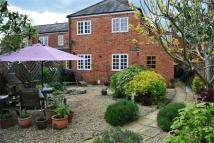 2 bed semi detached property in Manor Close, Harpole...