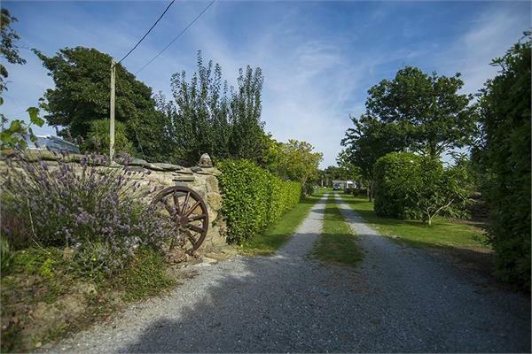 Driveway to Caravan