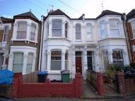 Flat to rent in Purves Road, Kensal Rise...