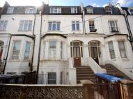 2 bedroom Flat in Rucklidge Avenue...