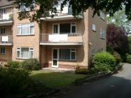 Ground Flat to rent in COMPTON COURT...