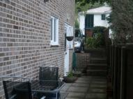 1 bed Ground Flat in FLAT AT ALTON ROAD...