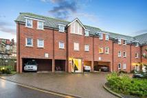 2 bedroom Apartment to rent in Station Way, Esher...