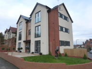 2 bed Ground Flat in Christ Church Road...