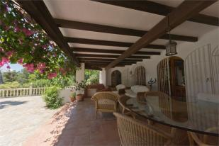 Covered terrace 2