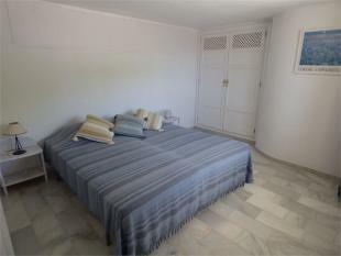 Extra apt. bedroom