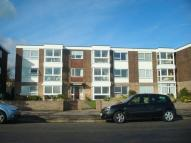 2 bed Flat to rent in Queens Road...