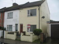2 bedroom End of Terrace property to rent in Warwick Road...