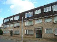 2 bed Flat in Old Road, Frinton-On-Sea...