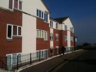 Flat to rent in Woodberry Way...