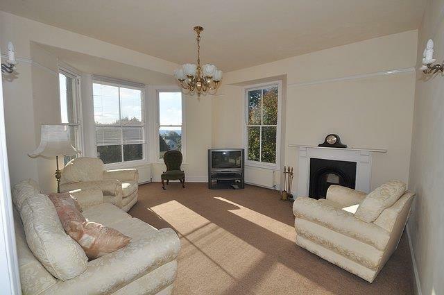 Albany Rd (Maisonette) Sitting Room.jpg