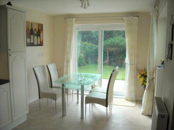 35 Shute dining room.jpg