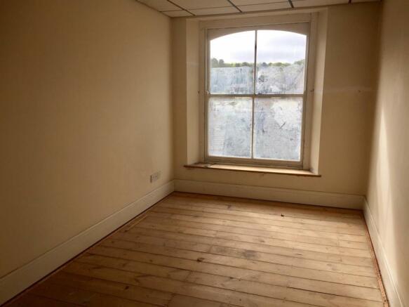Broad Street top floor bed.jpg