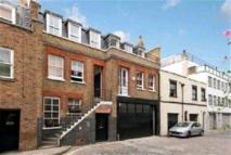 Apartment to rent in Weymouth Mews, London