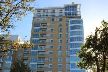 Flat for sale in Canary Riverside...