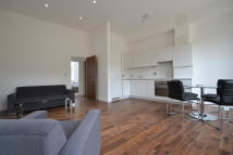 Flat to rent in Carlton Place...