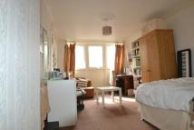 3 bedroom Flat to rent in Blandford Court...