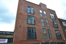 Flat to rent in Umberston Street...