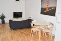 Flat to rent in Long Street, Shoreditch