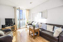 Flat to rent in City Tower, Canary Wharf