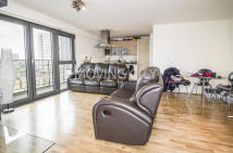 Flat to rent in Azura Court...