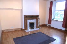 End of Terrace house to rent in Elm Grove, Keighley, BD21