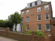 Flat to rent in Old Halloway House...