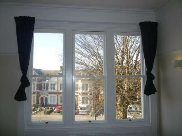 Sitting Roo, Sash Windows
