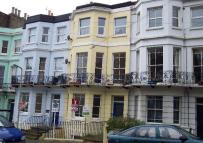 2 bed Flat to rent in Magdalen Road...