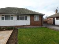 Semi-Detached Bungalow to rent in Thornhill Close, Walton